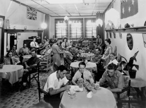 slq-195095-tearooms-in-george-street-brisbane-during-world-war-ii